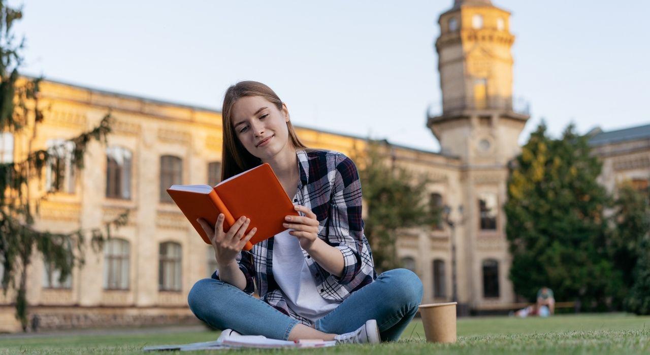 精選名校獎學金,都在【Study World】等著你!